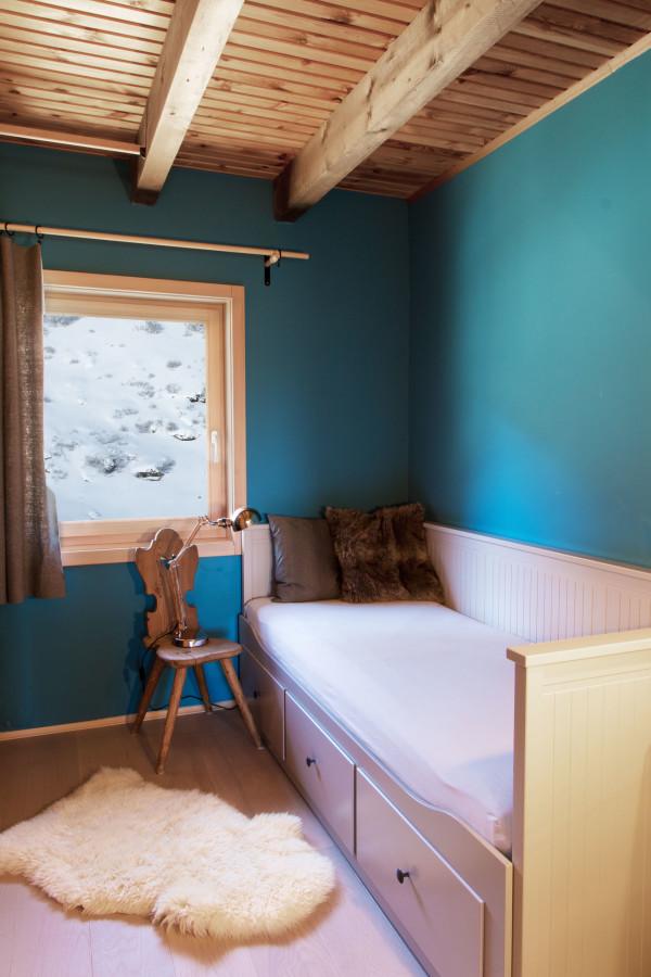 Zimmer 3 der Almhütte mit Blick auf den Bergsee