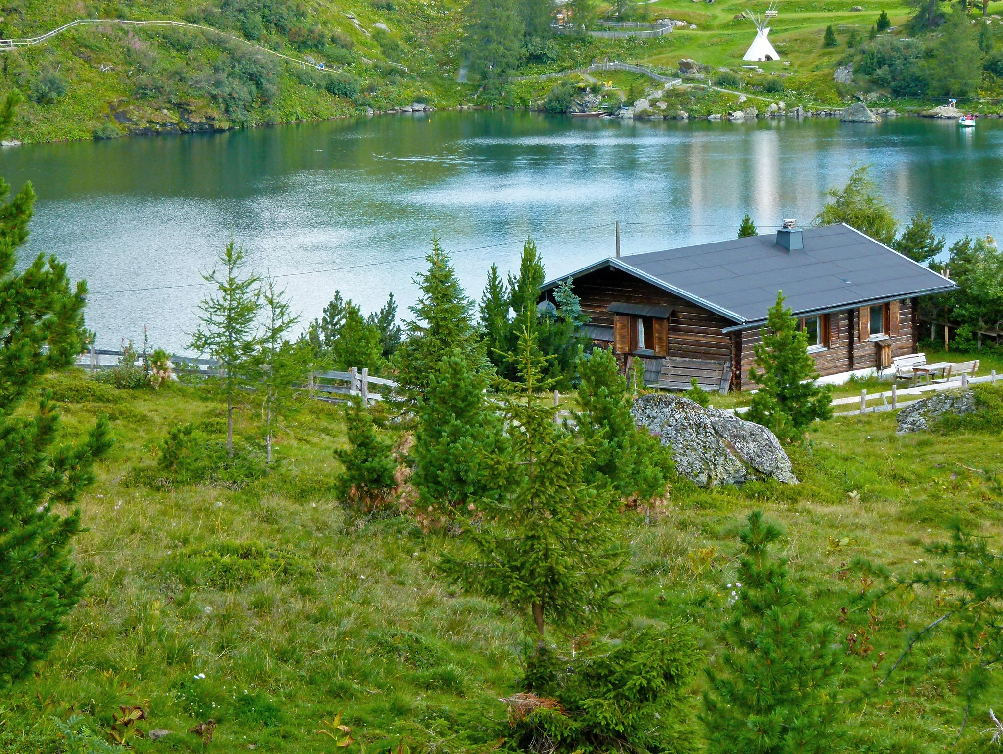Haus-mit-See_WP1